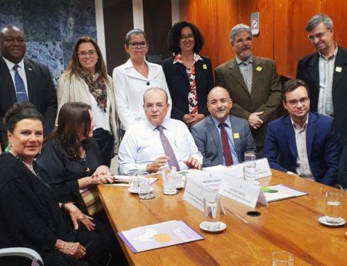2ª Vice-Presidente do TJDFT reúne-se com governador do DF em busca de parcerias para idosos